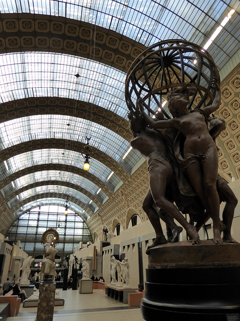 Photo of a room in which are presented sculptures in the Musée d'Orsay to illustrate an Orsay Museum Guided Tour in Paris, France.