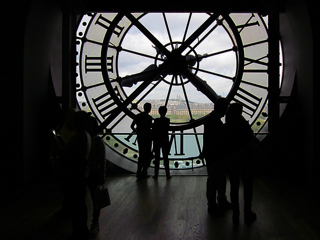 Photo of an inside view of Musée d'Orsay Great Clock to illustrate an Orsay Museum Guided tour, Paris, France.