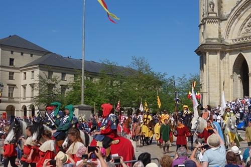 Photo des fêtes de Jeanne d'Arc pour illustrer une visite d'Orléans dans le Val de Loire, France.