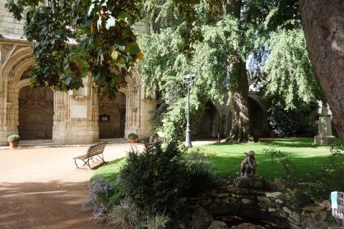 Visiter Orléans et découvrir les vestiges de la chapelle Saint-Jacques témoin historique de la présence d'Orléans sur le chemin de Saint-Jacques-de-Compostelle