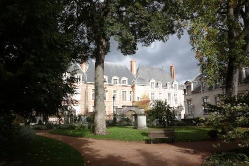 Photo du centre ancien d'Orléans pour illustrer un visite d'Orléans dans le Val de Loire, France.